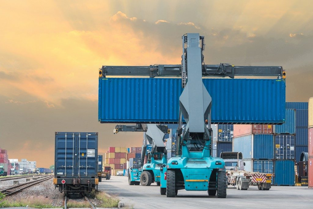 Shipping containers train import