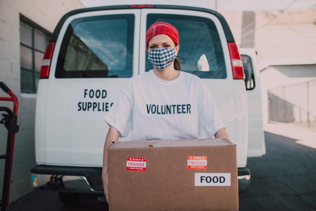 volunteer pandemic food donation